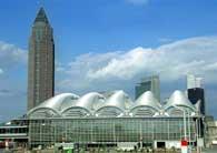 http://cdn.bydleni.com/img/2005/clanky/albums/userpics/10001/thumb_frankfurt.jpg