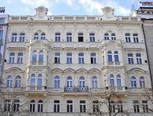 Václavské náměstí zdobí také špaletová okna Janošík Castle zhotovená pro hotel Hapimag