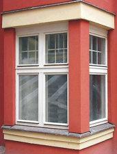 Okna Janošík jsou součástí hotelu Juliš na Václavském nám. v Praze