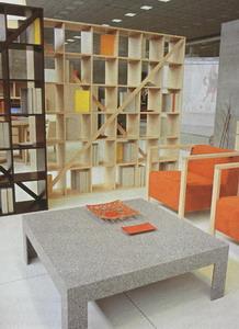 Stolek Plat�n je vyroben z materi�lu HI-MACS podle n�vrhu design�ra Ivana �obeje. Brik
