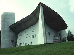 Jedna z podivuhodných staveb minulého staletí  - Le Corbusierova Notre Dame du Haut
