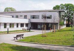 Mezi 15 nominovanými na Stavbu roku 2004 je i pavilon malých zvířat v areálu Veterinární a farmaceutické univerzity v Brně