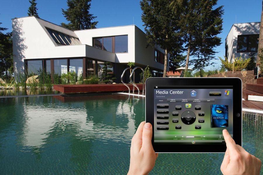 http://cdn.bydleni.com/img/obrazky/c0611/insight_home/thumb_ih_iPad_CITIB.jpg