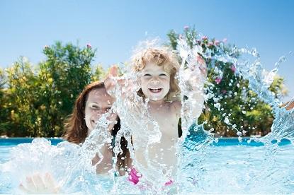 Staráme se o bazén: Soutěž o bezchlórovou bazénovou chemii GUAa POOL