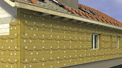 Na zateplení použijte kamennou vlnu. Snížíte tepelné ztráty a zvýšíte požární bezpečnost svého domu