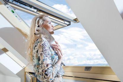 Renovace střešních oken. Vyměňte stará okna za nová bez nepořádku