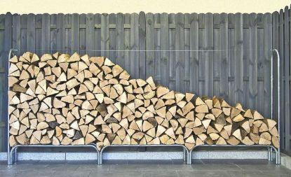 Je čas naštípat dřevo a sklidit úrodu. Využijte praktické regály
