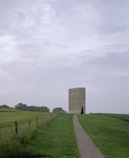 http://cdn.bydleni.com/rimport/img/0904/thumb_zumthor_kaple.jpg
