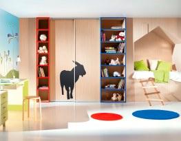 Kam s věcmi předškoláka nebo studenta? Jak vybrat vestavěné skříně do dětského pokoje?