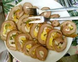 Šťavnatá vepřová roláda s kořenovou zeleninou
