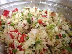 Kuskusový salát s uzeným tofu