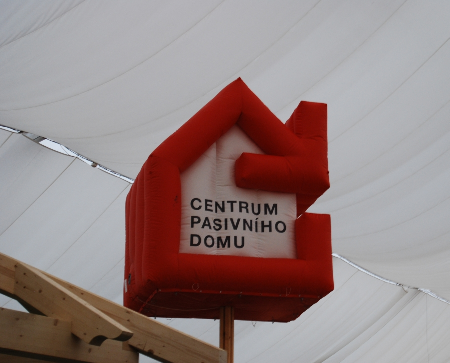 http://cdn.bydleni.com/rimport/jv/1304/thumb_pasivni_dum_poradna.jpg
