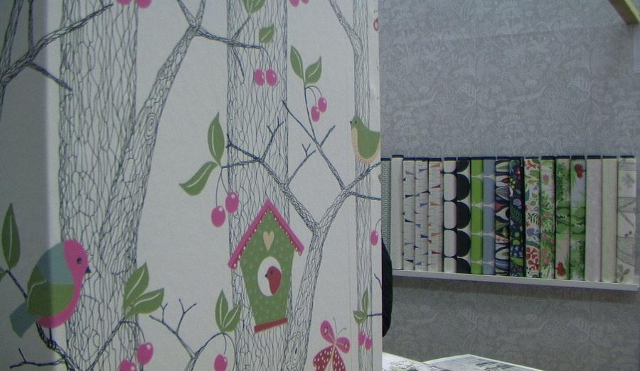 http://cdn.bydleni.com/rimport/jv/1304/thumb_poradna_tapety.jpg