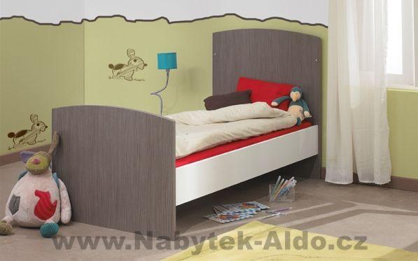 Postýlku lze rozložit na klasickou postel pro matraci o rozměrech 60x120 cm