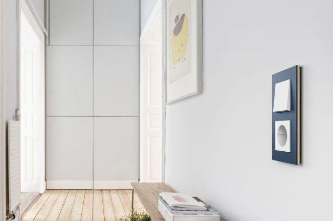 S typovou řadou Esprit linoleum multiplex společnost Gira nabízí vypínačové rámečky z obnovitelných zdrojů - s povrchem z linolea a rámu multiplex.