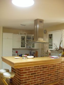 Kuchyňský kout v rodinném domě v Litvínově  osvětlený denním světlem