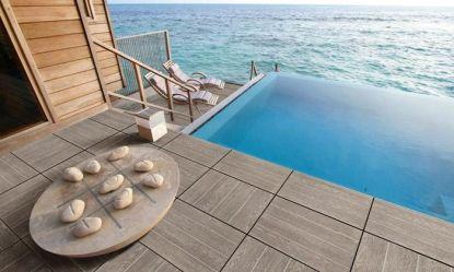 Budujete bazén? Venkovní keramická dlažba je vhodnou volbou
