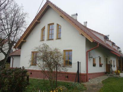 Dřevěná okna a dveře jsou nestárnoucí klasikou