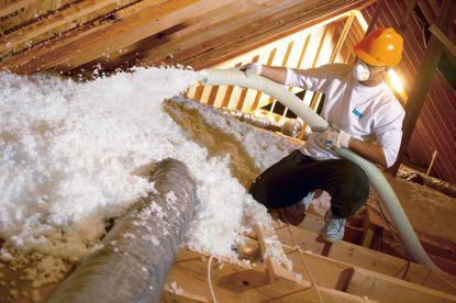 Foukaná izolace sníží náklady na vytápění domu
