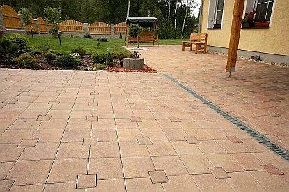 Moderní betonové dlažby a zahradní architekura LiaStone