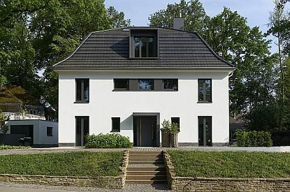 Netradiční renovace rodinného domu v německém městě Bergisch Gladbach