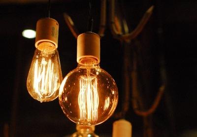 Ušetřete až 60 % energie s moderními stropními svítidly