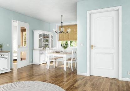 Osvěžte svůj domov bílou klasikou i skleněným originálem! Dveře od SAPELI vás nezklamou