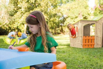 I malou zahradu můžete proměnit v dětský ráj