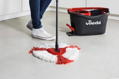 I vytírání podlahy může být zábavné