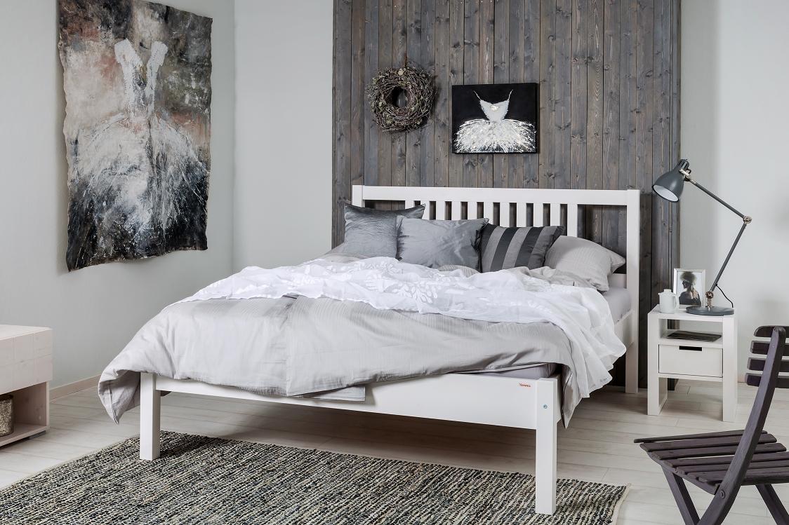 Dřevěná postel Salga II