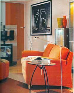 Obývací pokoj je ideálním prostorem pro hru s barvami. Výrazná barevnost může místnost oživit a zatraktivnit.