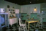 Na t�to kuchyni z meziv�le�n�ho obdob� je dob�e patrn� technick� pokrok