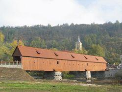 Svůj hlas můžete poslat také rekonstrukci tohoto historického mostu přes řeku Ohři v Radošově