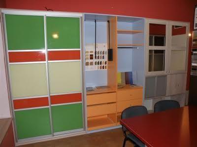 Kdy jsou posuvné dveře u vestavěných skříní vhodné?