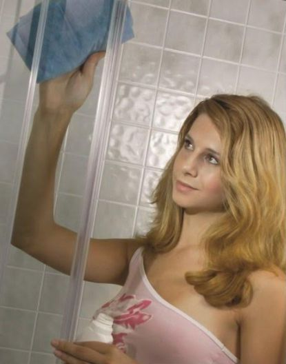 Jak zabránit usazování vodního kamene ve sprchovém koutu