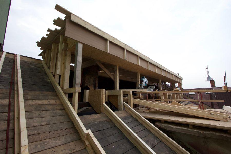 CIUR: střešní nástavba s dřevovláknitými deskami Udi