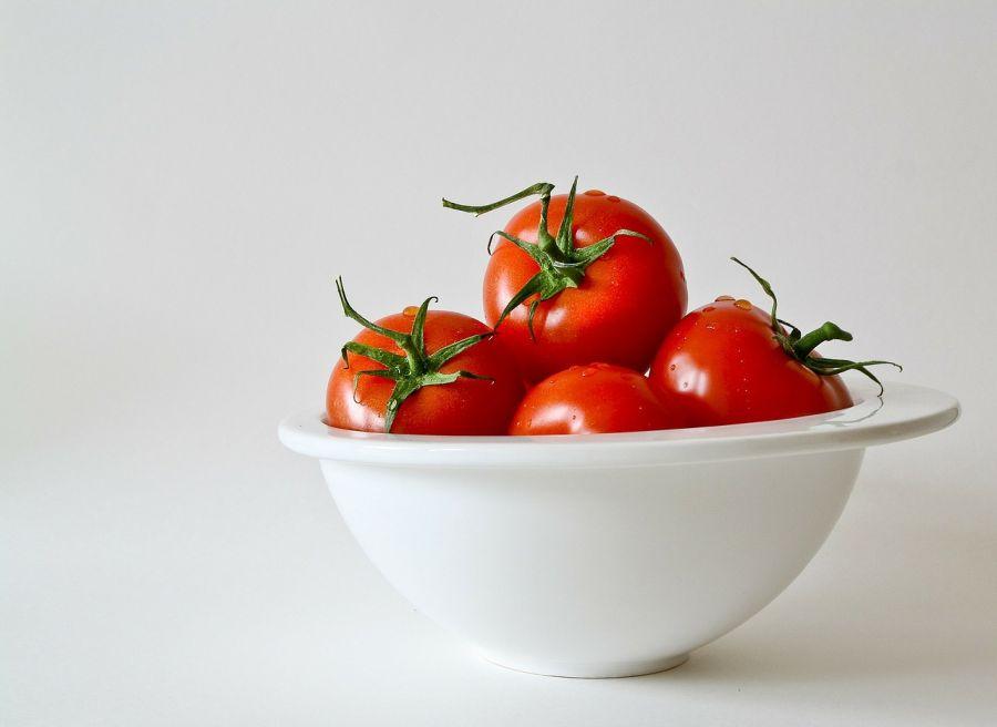 https://cdn.bydleni.com/jv/1609/thumb_tomatoes.jpg