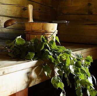 Zdravé saunování: Masáž metlou a její účinky
