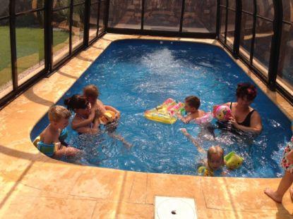 Jak zabezpečit bazén proti pádu dítěte do vody?