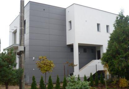 Jak na montáž provětrávané fasády a fotovoltaických panelů