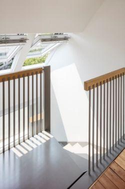 Schodiště slouží jako osvětlující a větrací šachta.