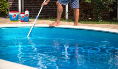 Jak na čistou vodu v bazénu? Soutěžte o nové produkty bazénové chemie SAVO