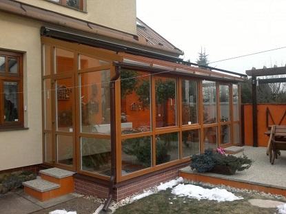 Zabraňte rosení skel v zimní zahradě