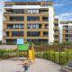 V soutěži E.ON Energy Globe soupeří dům s květinovou střechou a komplex zdravého bydlení