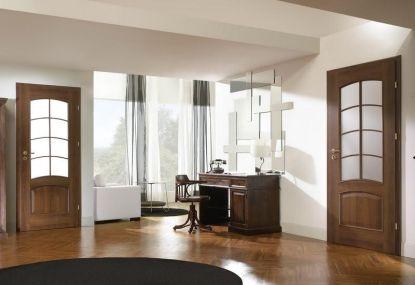 Tip pro vaši luxusní domácnost: Prosklené interiérové dveře a vinylové podlahy v dokonalé imitaci dřeva
