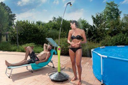 Vše, co jste chtěli vědět o solárních sprchách