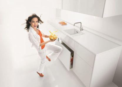 Ovládejte skříně a zásuvky jedním dotykem