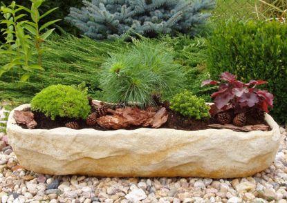 Krásná zahrada po celý rok: Květináče z umělého pískovce a masivního dřeva