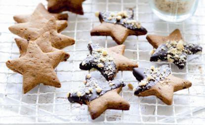 Vánoční biorecept: Datlové hvězdičky v čokoládové polevě