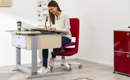 Pracovní stůl pro každého a v každém věku